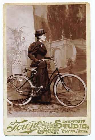 Annie Cohen Kopchovsky, première femme à vélo autour du monde en 1894-95!